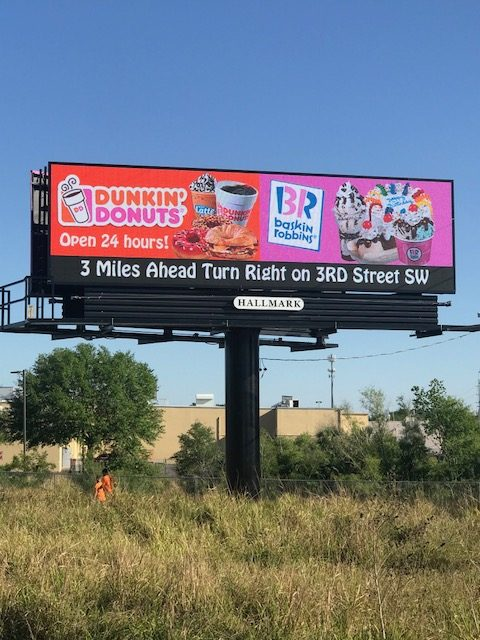 Outdoor-Advertising-Dunkin-Oct-6-19-10 - Sign #154 RHR -Dunkin